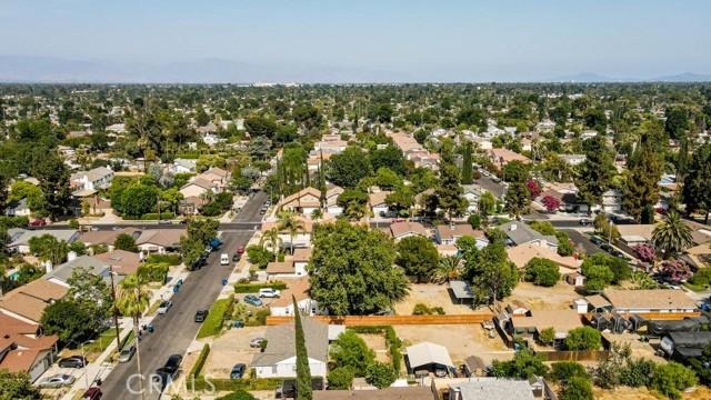 18320 Arminta Street, Reseda CA: http://media.crmls.org/mediascn/d2cf3e68-90ac-455d-9441-a3fc567e38dc.jpg