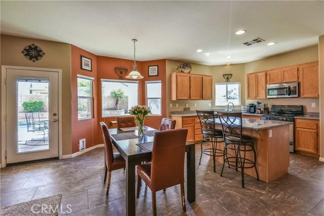 44142 Westridge Drive, Lancaster CA: http://media.crmls.org/mediascn/d2dfc23d-d1d6-4902-b8f0-f41dd8ccc24d.jpg