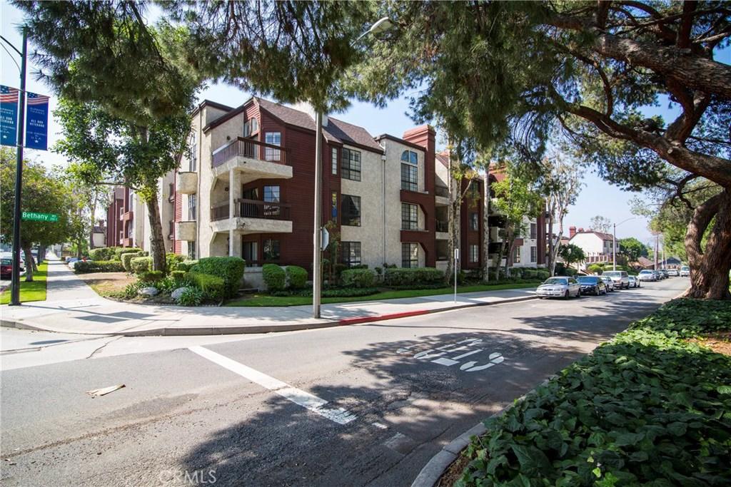 230 BETHANY Road 101, Burbank, CA 91504