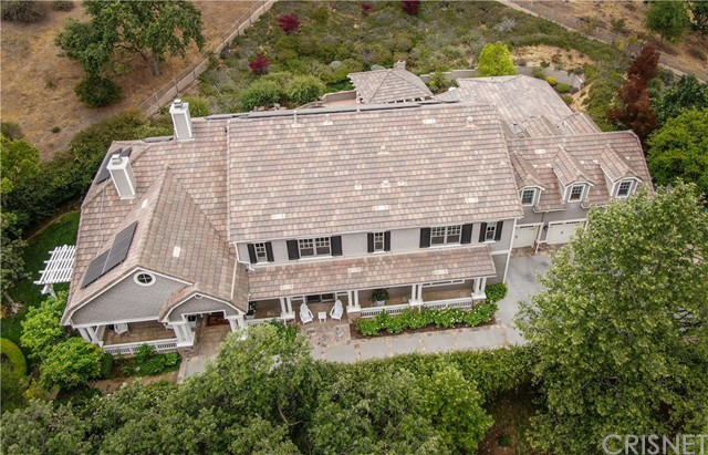 1495 Cheviot Hills Court, Westlake Village CA: http://media.crmls.org/mediascn/d2f32b0d-6d75-403d-99d3-9d8171395a65.jpg