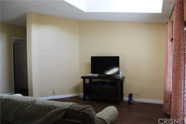 30000 SAND CANYON Road, Canyon Country CA: http://media.crmls.org/mediascn/d3130539-4686-43c5-a454-58780b621af2.jpg