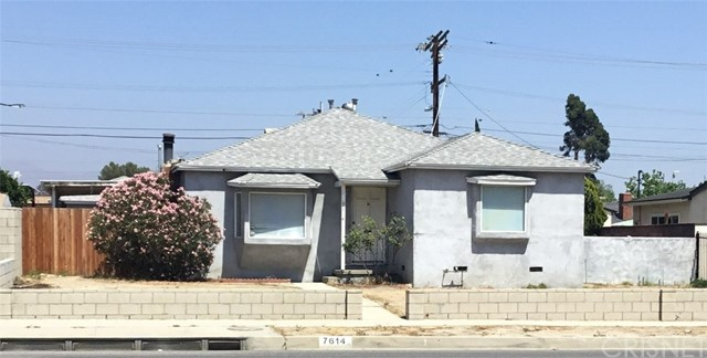 7614 Whitsett Avenue, North Hollywood CA: http://media.crmls.org/mediascn/d31bb489-75a4-4b5c-9a86-d1cb6cebc1cb.jpg