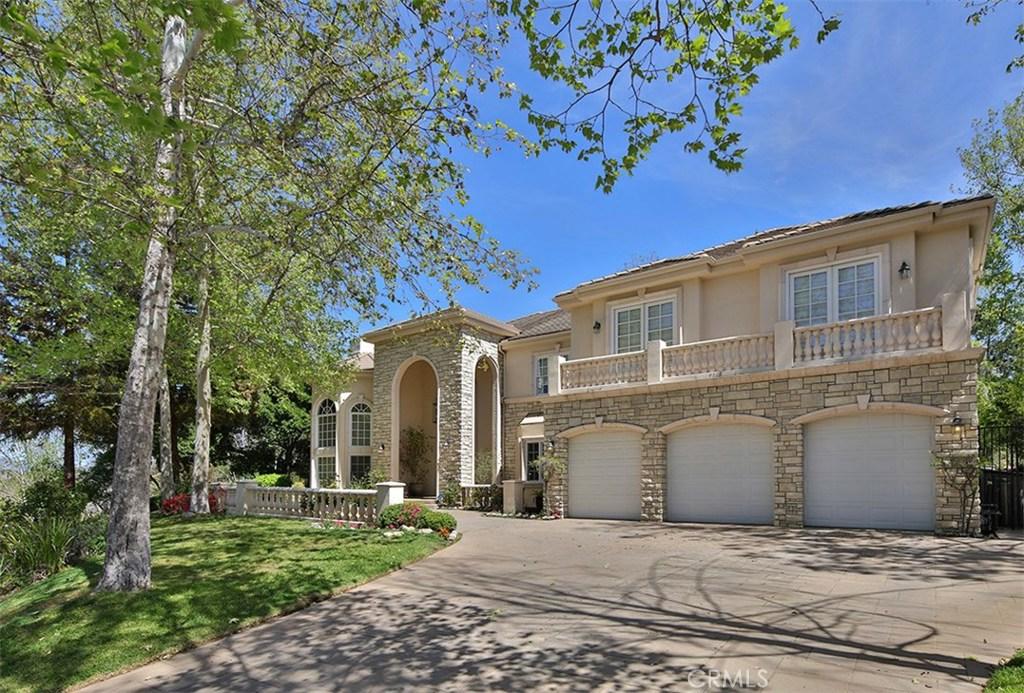 Property Listing: 4218 Vicasa Drive, Calabasas