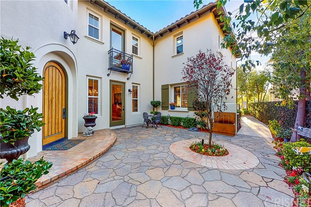 Detail Gallery Image 1 of 1 For 26905 Augusta Pl, Valencia,  CA 91355 - 3 Beds | 2 Baths