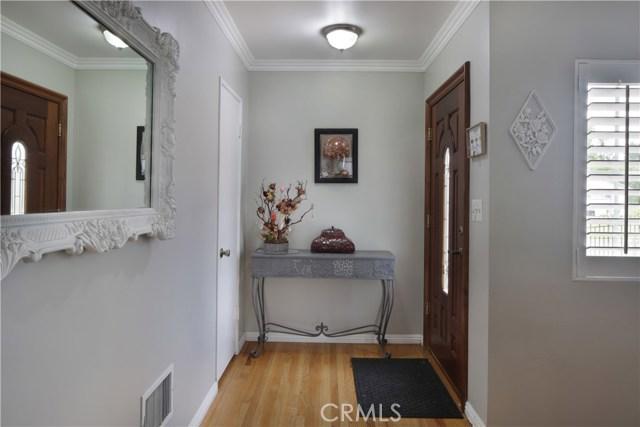 20547 Covello Street, Winnetka CA: http://media.crmls.org/mediascn/d37eb311-5491-43a0-b26a-6052592907de.jpg