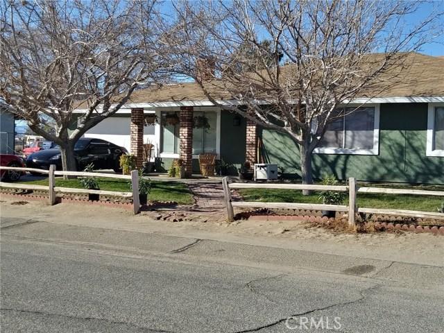 41449 152nd E Street, Lancaster CA: http://media.crmls.org/mediascn/d38300c6-3b55-417d-9c38-0e7c451e036d.jpg