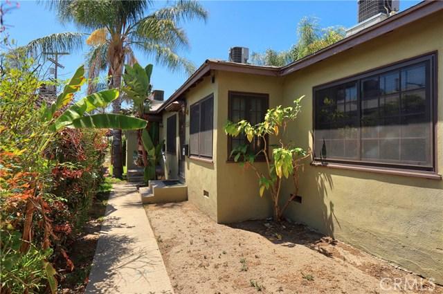 10550 Oxnard Street, North Hollywood CA: http://media.crmls.org/mediascn/d39c3785-4e54-4b0c-aca2-5b4da786de70.jpg