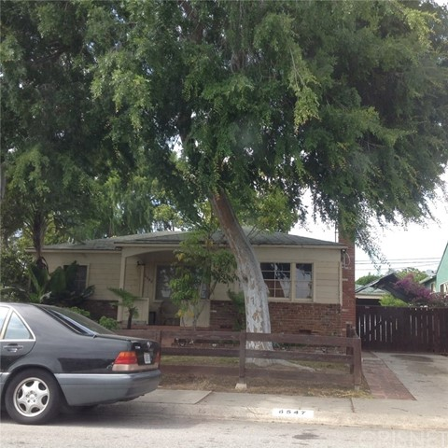6547 W 82nd Street  Los Angeles CA 90045