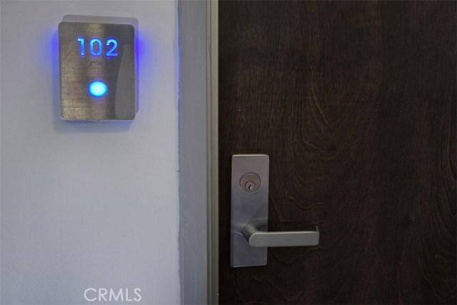 12045 Guerin Street, Studio City CA: http://media.crmls.org/mediascn/d3c78096-30ae-4e07-a4e4-0df3dd5eaf55.jpg