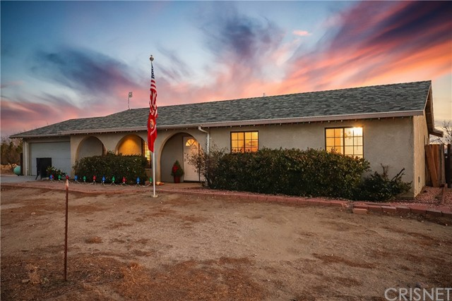 Detail Gallery Image 1 of 43 For 5732 Charan Rd, Rosamond,  CA 93560 - 3 Beds | 2 Baths
