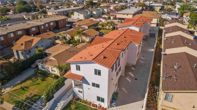 329 E Hazel Street, Inglewood CA: http://media.crmls.org/mediascn/d3e53b35-19f0-4bb9-abf3-d634475763b9.jpg