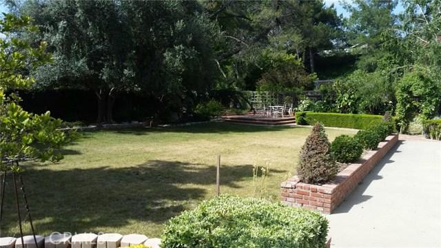 3158 Camino Del Zuro, Thousand Oaks CA: http://media.crmls.org/mediascn/d4119bed-9f02-4b07-9163-ca22d80ff2e0.jpg