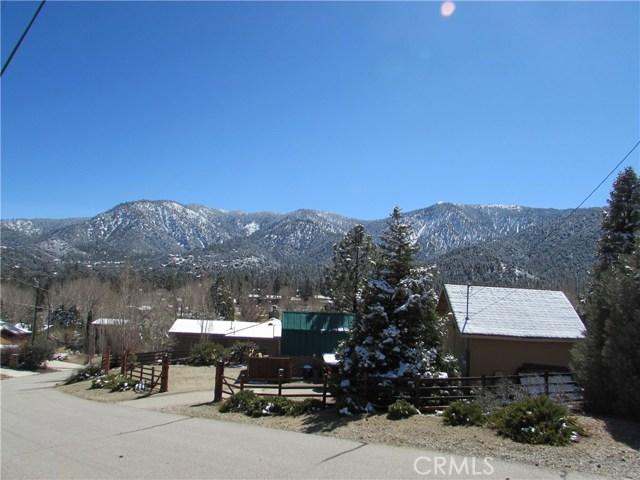 16401 Grizzly, Pine Mtn Club CA: http://media.crmls.org/mediascn/d4405630-394d-4202-9303-9a6fe498be86.jpg