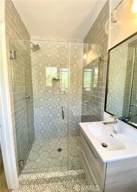 10215 Casaba Avenue, Chatsworth CA: http://media.crmls.org/mediascn/d47f201d-2860-4c9d-8895-d64d1652535c.jpg