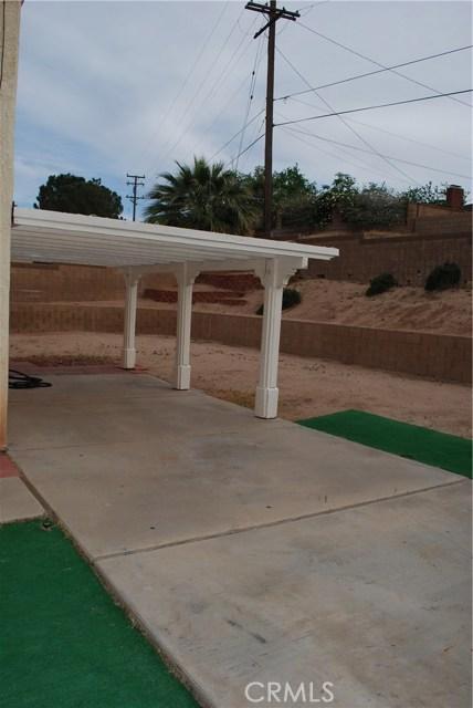 38627 S Desert Flower S Drive, Palmdale CA: http://media.crmls.org/mediascn/d496caf4-4cc1-45cc-a58c-fe7fbd6bc3ad.jpg
