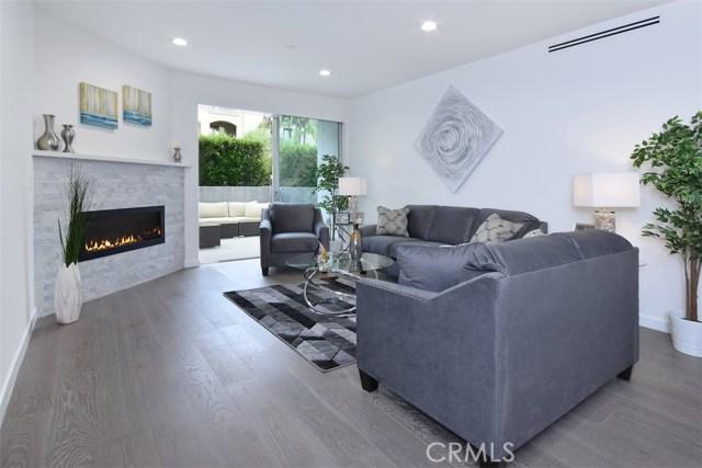 12045 Guerin Street, Studio City CA: http://media.crmls.org/mediascn/d4a4f650-7613-4e1e-a775-5c4ab28c3240.jpg