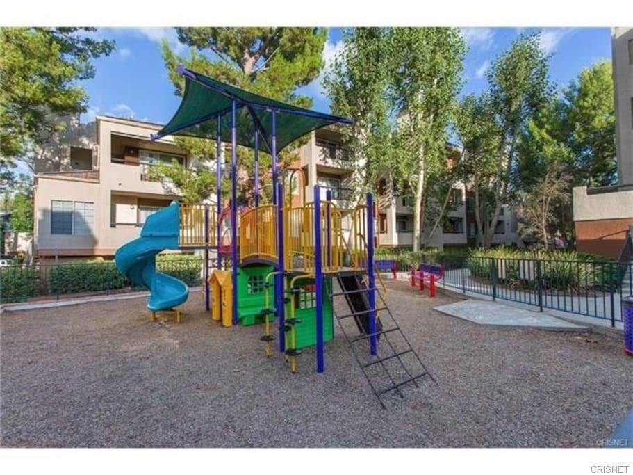 5545 Canoga Avenue, Woodland Hills CA: http://media.crmls.org/mediascn/d4a90745-7624-4117-9a66-d8d4fb410f66.jpg