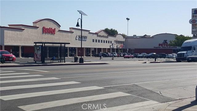 17955 Ventura Boulevard, Encino CA: http://media.crmls.org/mediascn/d4b91494-ebfa-4c61-9e19-54d63978f745.jpg