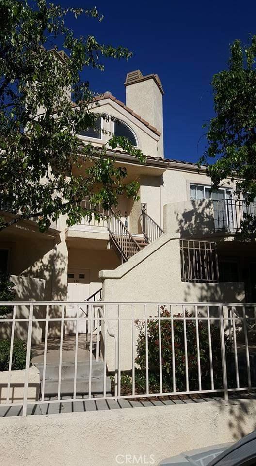 24145 Del Monte Drive, Valencia CA: http://media.crmls.org/mediascn/d4c940ef-6811-4eab-b8e6-22693a726c80.jpg