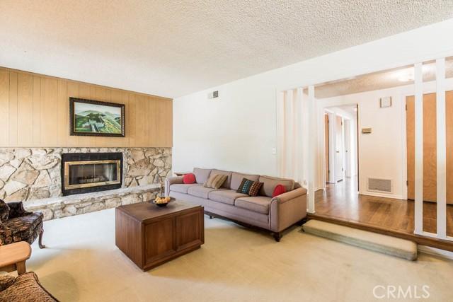 10920 Garden Grove Avenue, Northridge CA: http://media.crmls.org/mediascn/d4fc165d-79d9-4ad7-ac5a-13dc11331670.jpg