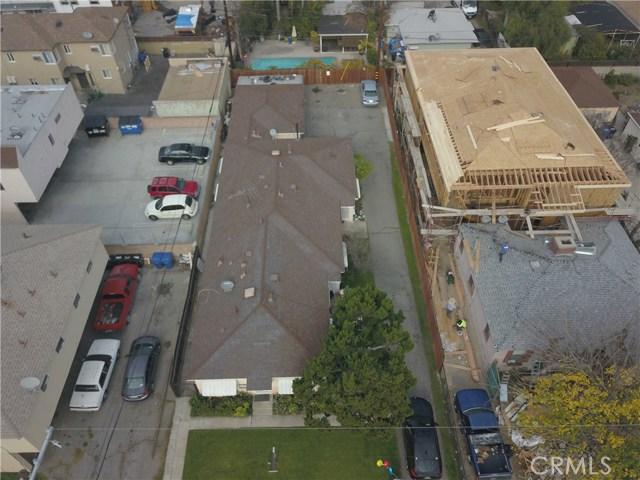 11345 Hatteras Street, North Hollywood CA: http://media.crmls.org/mediascn/d526dc66-edab-46c0-8316-434f92614b4d.jpg