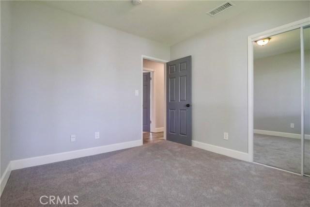 10426 Yolanda Avenue, Northridge CA: http://media.crmls.org/mediascn/d530b553-c85c-4be3-a0fb-3532104ddb03.jpg
