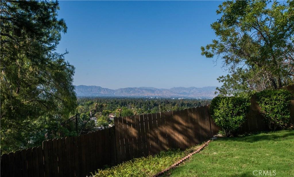 16725 OAK VIEW Drive, Encino, California 91436- Oren Mordkowitz