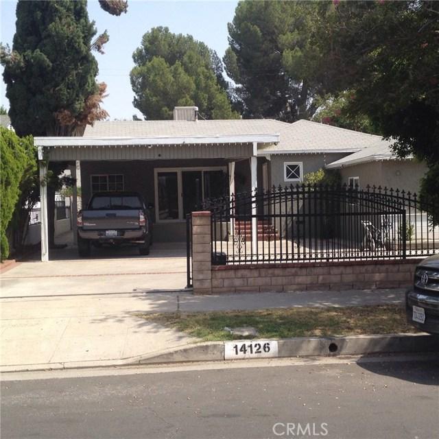 14126 Pierce Street, Arleta CA: http://media.crmls.org/mediascn/d54e6c3e-3e20-4c26-be32-5fbc57759389.jpg