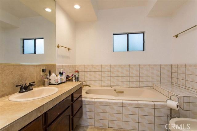 5811 Beckford Avenue Tarzana, CA 91356 - MLS #: SR18210492