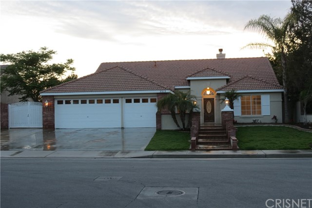 Single Family Home for Sale at 5515 Broad Acres Avenue Bakersfield, California 93312 United States
