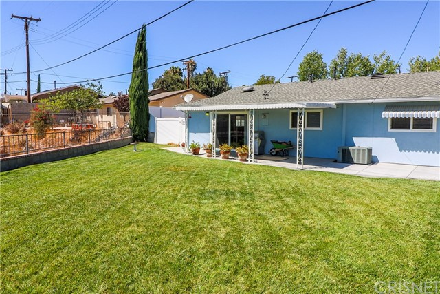 19602 Aldbury Street, Canyon Country CA: http://media.crmls.org/mediascn/d5a26bc1-c92a-4410-906d-834f7a474564.jpg