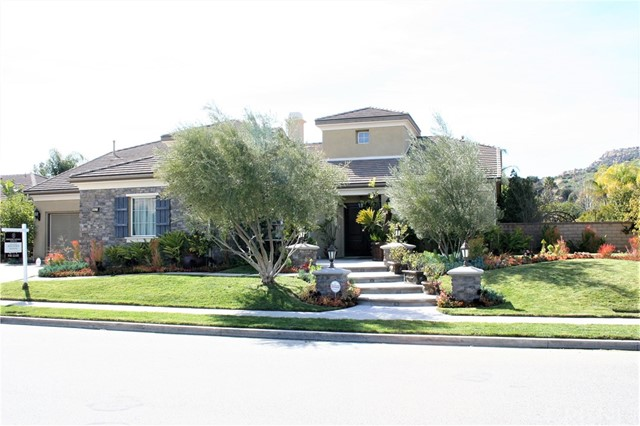 Single Family Home for Rent at 9617 Sagebrush Avenue Chatsworth, California 91311 United States