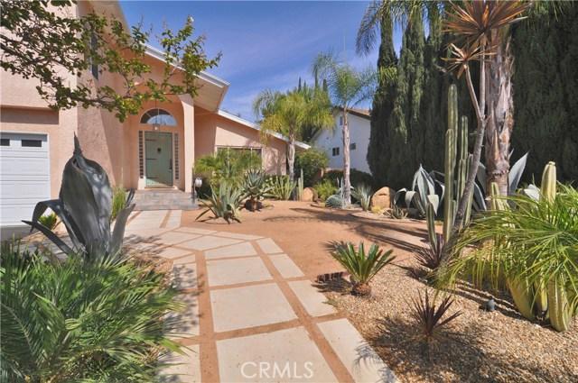 703 San Doval Place, Thousand Oaks CA: http://media.crmls.org/mediascn/d5bf89f3-7e5d-4bd6-a6ed-4ac6679788d9.jpg