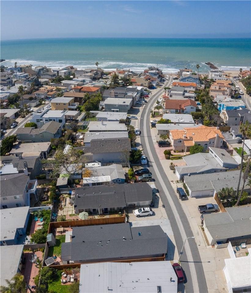 1238 1240 Devon Lane, Ventura CA: http://media.crmls.org/mediascn/d5e39683-6d37-4751-8558-182173b7dd55.jpg