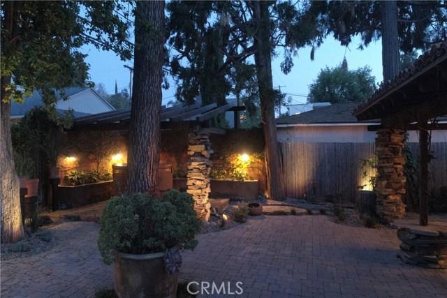 4984 Topanga Canyon Boulevard, Woodland Hills CA: http://media.crmls.org/mediascn/d5fd7b5a-6611-479c-ab3e-84a5ebab886d.jpg
