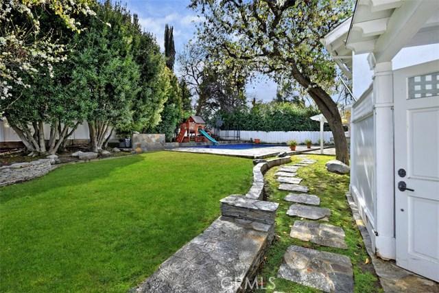 4838 Quedo Place, Woodland Hills CA: http://media.crmls.org/mediascn/d6099737-05d2-4e49-bde6-f6913a0947fb.jpg