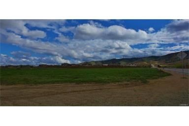 Single Family for Sale at 70 Vac/70th Stw Drt /Vic Avenue Quartz Hill, California 93551 United States