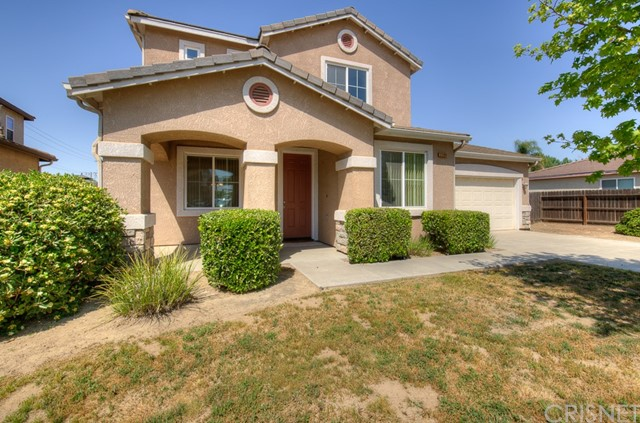 Detail Gallery Image 1 of 1 For 2390 S Dewitt Ave, Fresno,  CA 93727 - 4 Beds   3 Baths