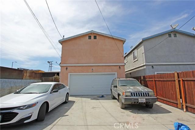 9912 S San Pedro Street, Los Angeles CA: http://media.crmls.org/mediascn/d693687b-a6cb-4505-bc28-2d8a4021ec5d.jpg