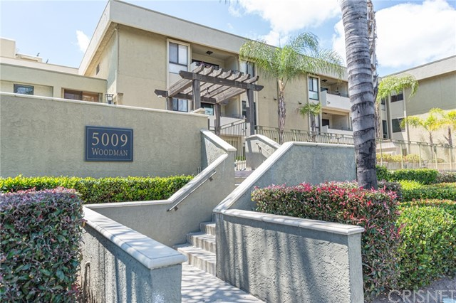 Photo of 5009 Woodman Avenue #209, Sherman Oaks, CA 91423