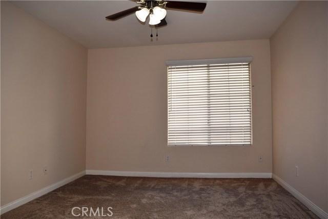 5545 Canoga Avenue, Woodland Hills CA: http://media.crmls.org/mediascn/d6bbe5a1-4293-44c7-b946-231b1e1311ee.jpg