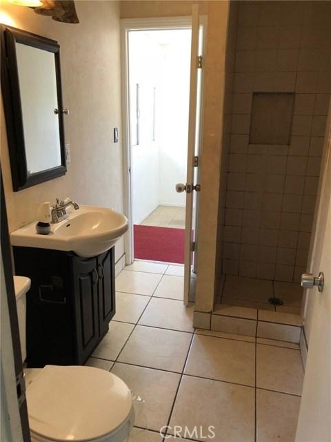 7800 Geyser Avenue, Reseda CA: http://media.crmls.org/mediascn/d6e2ac6b-db86-41c5-aa7f-532904b4c5a4.jpg