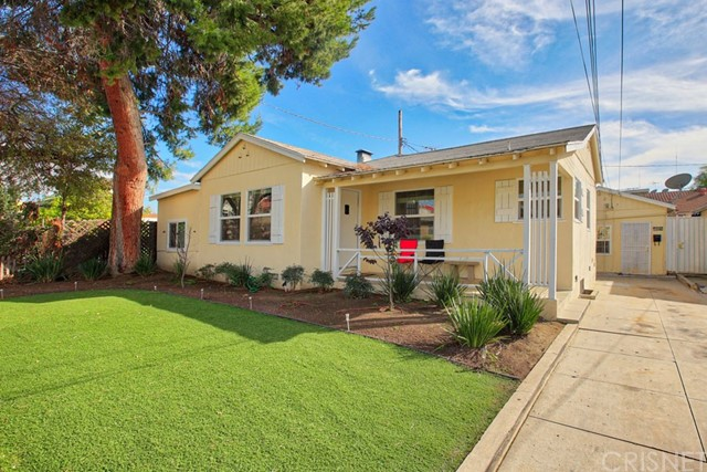 Single Family for Sale at 504 Windsor Road E Glendale, California 91205 United States