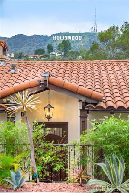 2975 Hollyridge Drive, Los Angeles CA: http://media.crmls.org/mediascn/d6f5cb37-8f4c-49b5-8f7d-ab7b495cf975.jpg