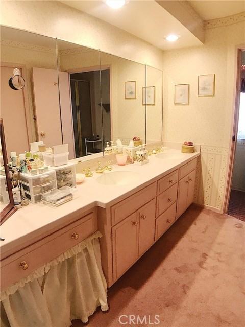 7272 Cirrus Way, West Hills CA: http://media.crmls.org/mediascn/d72eb394-b08e-424a-b4c0-f59f9cdc2f01.jpg