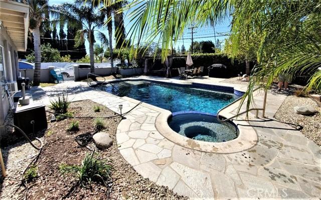 10609 Reseda Boulevard, Northridge CA: http://media.crmls.org/mediascn/d731ba25-f0d9-4c70-8c78-0a82a0a55706.jpg