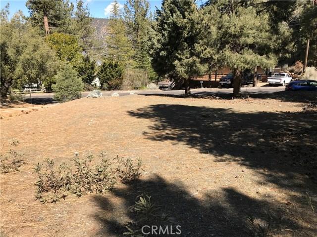 1917 Poplar Way, Pine Mtn Club CA: http://media.crmls.org/mediascn/d7489e75-739d-45ea-8ef6-4c2c836c1448.jpg