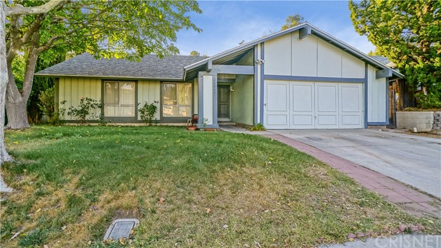 26863 Las Mananitas Drive, Valencia CA 91354
