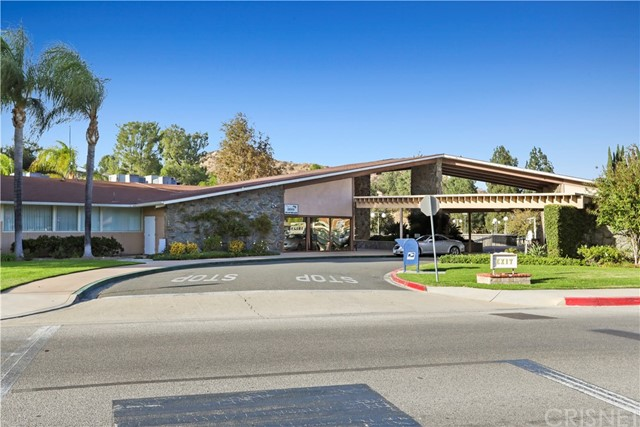 19702 Spanish Oak Drive Newhall, CA 91321 - MLS #: SR18269330