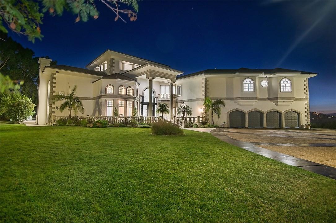 独户住宅 为 销售 在 23590 Park South 卡拉巴萨斯, 加利福尼亚州 91302 美国